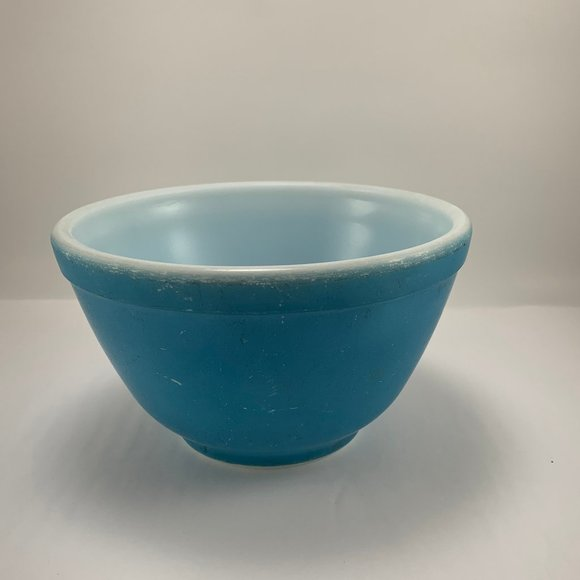 Pyrex 1940's-1950's Primary Color Blue #401